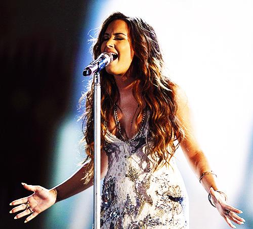 Demi-Lovato-esibizione