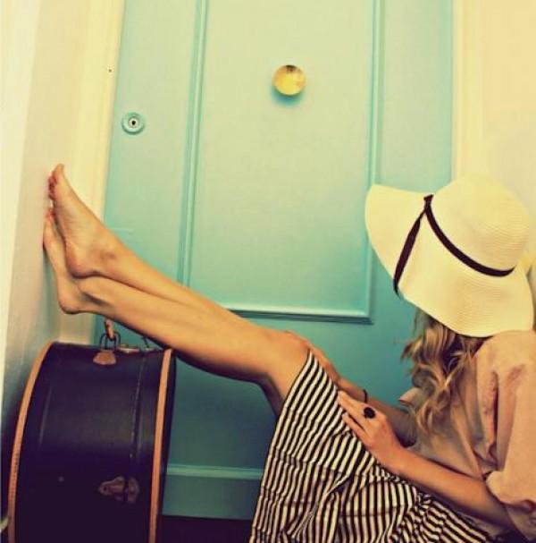 non-uscire-con-una-ragazza-che-viaggia-