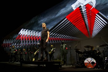 Roger Waters - The Wall, il film evento dei Pink Floyd al cinema