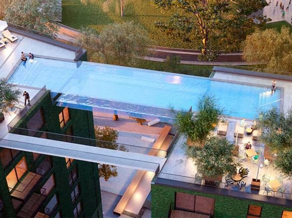 piscina fra grattacieli