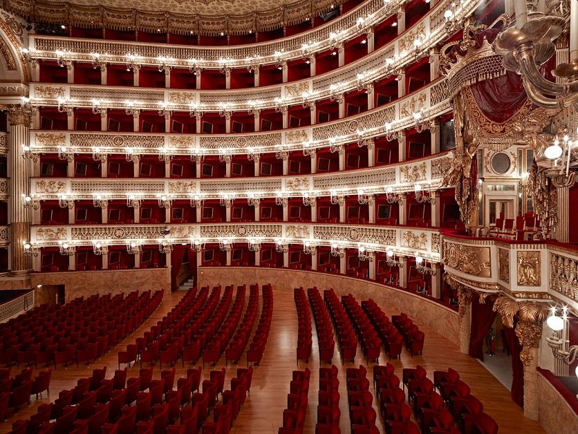 Card 2 Natale al Teatro San Carlo