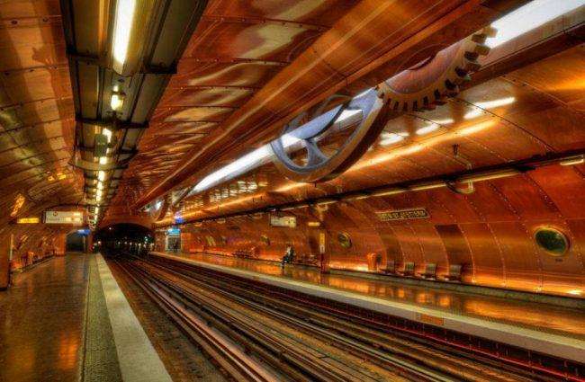 Metro ad arte. Parigi
